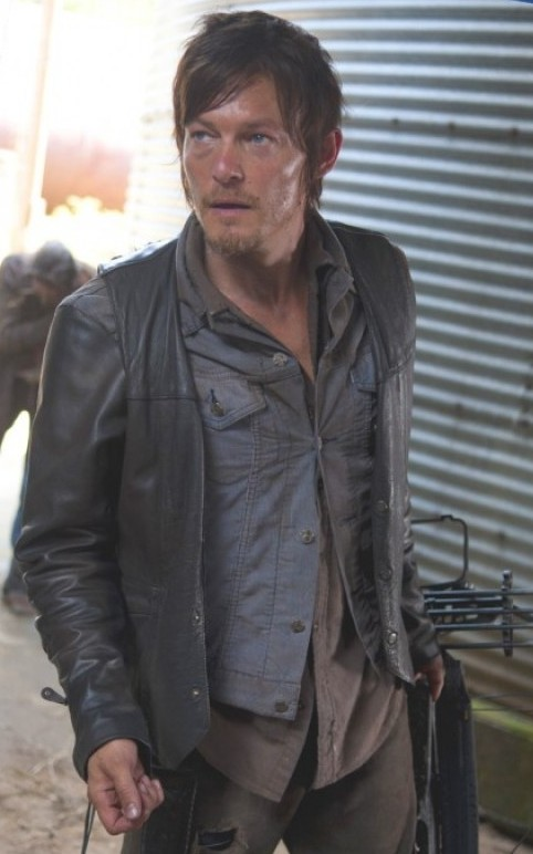 norman_reedus_daryl_dixon_vest_from_the_walking_dead_2_1